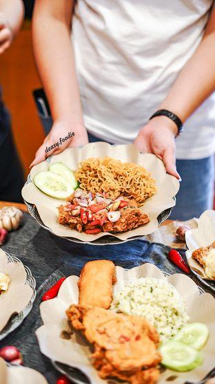 Foto 7 - Makanan di Geprek Gold Chick oleh deasy foodie