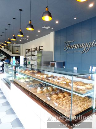 Foto 2 - Makanan(macam macam croissant) di Formaggio Coffee & Resto oleh ellien @rubrik_jajan