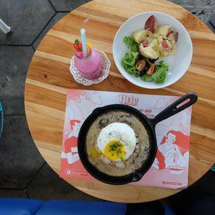 Foto review Yelo Eatery oleh Michael Lizar 2