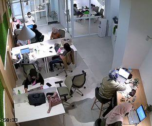 Foto 2 - Interior(coworking space) di Oi Coffee & Eatery oleh sanu si