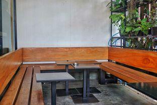 Foto 4 - Interior di Kuro Koffee oleh Fadhlur Rohman