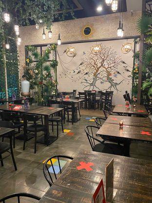 Foto 13 - Interior di Babochkaa Bistro & Coffee Bar oleh Riani Rin