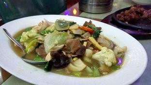 Foto 3 - Makanan(Cap-Cai Goreng Seafood) di Mandala Restaurant oleh YSfoodspottings