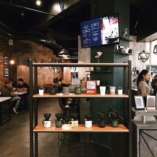 Foto 7 - Interior di Awesome Coffee oleh Della Ayu