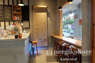 Foto 11 - Interior di Daily Press Coffee oleh Ladyonaf @placetogoandeat