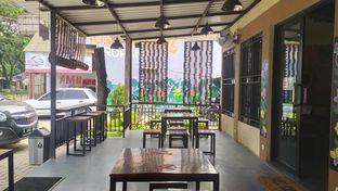 Foto 2 - Eksterior(Area luar warung / smoking area) di Nusantara '86 oleh Darma  Ananda Putra