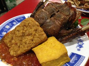 Foto 3 - Makanan di Bebek Ali Borme oleh awakmutukangmakan