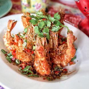 Foto 3 - Makanan(Udang ebi) di Meradelima Restaurant oleh Stellachubby