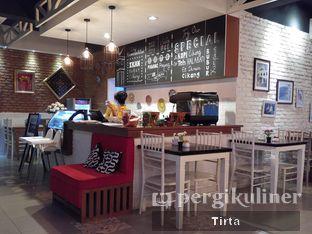 Foto 9 - Interior di Cikang Coffee & Resto oleh Tirta Lie
