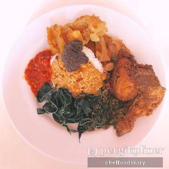 Foto Makanan di RM Sederhana Baru