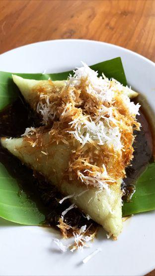 Foto 5 - Makanan(Lupis) di Tjikini oleh Riris Hilda