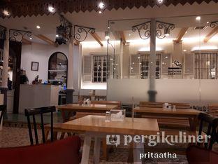 Foto review Senator Cafe & Bistro oleh Prita Hayuning Dias 3