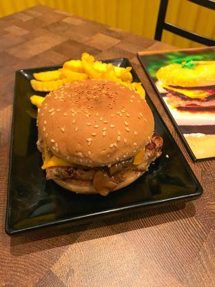 Foto 18 - Makanan di FIX Burger oleh yudistira ishak abrar