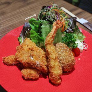 Foto 7 - Makanan(Mix fried) di Miu oleh Stellachubby