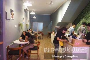 Foto 2 - Interior di Ilo Coffee oleh Hungry Couplee