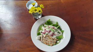 Foto 2 - Makanan(caesar salad with chicken) di Saka Bistro & Bar oleh JSL story instagram : johan_yue