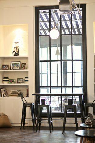 Foto 3 - Interior di Tuang Coffee oleh thehandsofcuisine