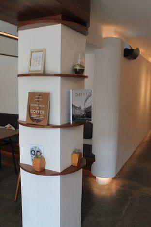 Foto 14 - Interior di Routine Coffee & Eatery oleh Prido ZH