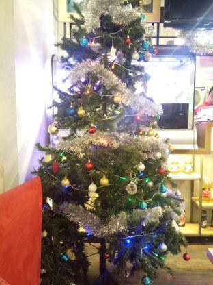 Foto 7 - Interior di Cafe MKK oleh felita [@duocicip]