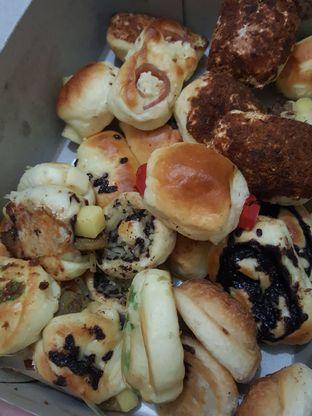 Foto 4 - Makanan di Roti Unyil Venus oleh Stallone Tjia (@Stallonation)