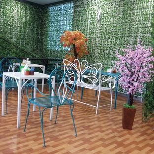 Foto 4 - Interior di Ecology Cafe oleh Andin | @meandfood_