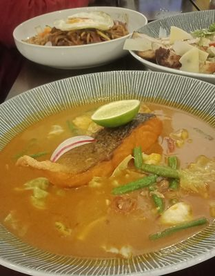 Foto 11 - Makanan(Gulai salmon (IDR 112k) ) di Onni House oleh Renodaneswara @caesarinodswr