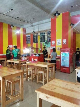 Foto 3 - Interior di Kakkk Ayam Geprek oleh Lid wen