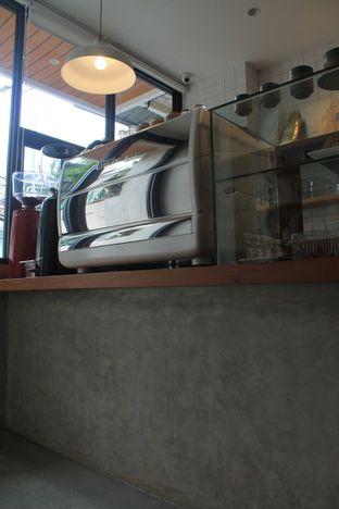 Foto 14 - Interior di Toko Kopi Maru oleh Prido ZH
