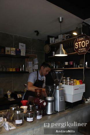 Foto 9 - Interior di Kopipapi Coffee oleh AndaraNila