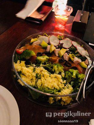 Foto 4 - Makanan(COBB SALAD) di AW Kitchen oleh Sienna Paramitha