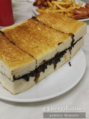 Foto - Makanan(chocolate supreme) di Sandwich Bakar oleh Patsyy