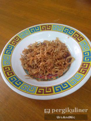 Foto 4 - Makanan(Bawang goreng) di Warung Mak Dower oleh UrsAndNic