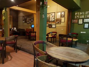 Foto 5 - Interior di Rollaas Coffee & Tea oleh Amrinayu