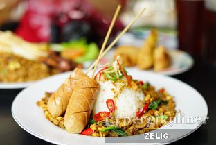 Foto 4 - Makanan di Nasi Goreng Batavia oleh @teddyzelig