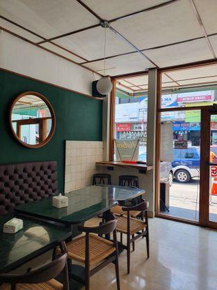 Foto 7 - Interior di Haben Kedai Kopi oleh imanuel arnold