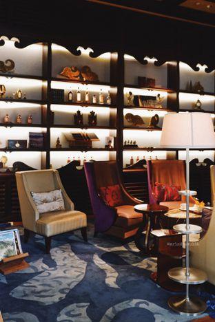 Foto 44 - Interior di The Writers Bar - Raffles Jakarta Hotel oleh Indra Mulia