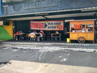 Foto review Bubur Seafood Ayam oleh Pine Josephina 3