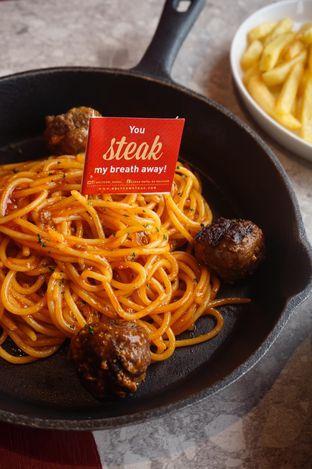 Foto 15 - Makanan di Steak Hotel by Holycow! oleh yudistira ishak abrar
