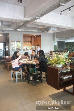 Foto 4 - Interior di BEAU Bakery oleh Selfi Tan
