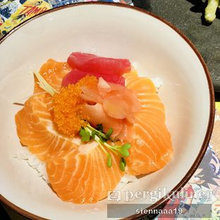 Foto 2 - Makanan(Salmon tuna chirashi) di Izakaya Kai oleh Sienna Paramitha