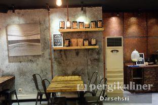 Foto 6 - Interior di Watt Coffee oleh Darsehsri Handayani