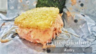Foto 3 - Makanan(Salmon Mentai) di Burgushi oleh Audry Arifin @thehungrydentist