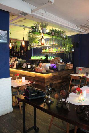 Foto 8 - Interior di Bleu Alley Brasserie oleh Prido ZH