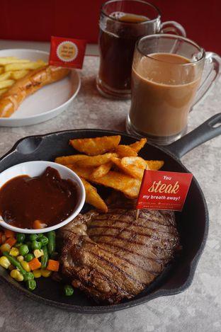 Foto 12 - Makanan di Steak Hotel by Holycow! oleh yudistira ishak abrar