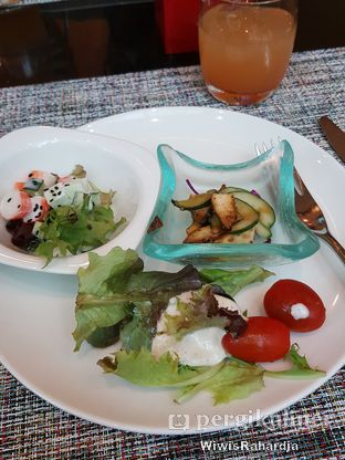 Foto 1 - Makanan di Collage - Hotel Pullman Central Park oleh Wiwis Rahardja