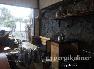 Foto 7 - Interior di Kurva Coffee oleh Desy Mustika