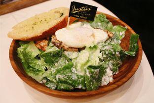 Foto 4 - Makanan(Caesar Chicken Salad) di Justus Steakhouse oleh Novita Purnamasari
