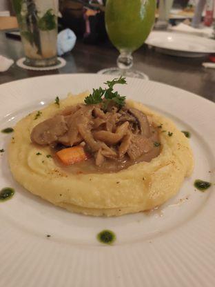 Foto 1 - Makanan di Babochkaa Bistro & Coffee Bar oleh Lisa Ramadhanty