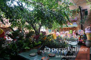 Foto 2 - Interior di The Garden oleh bataLKurus