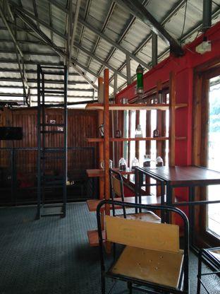 Foto 8 - Interior di BLW Cafe oleh Makan Meow